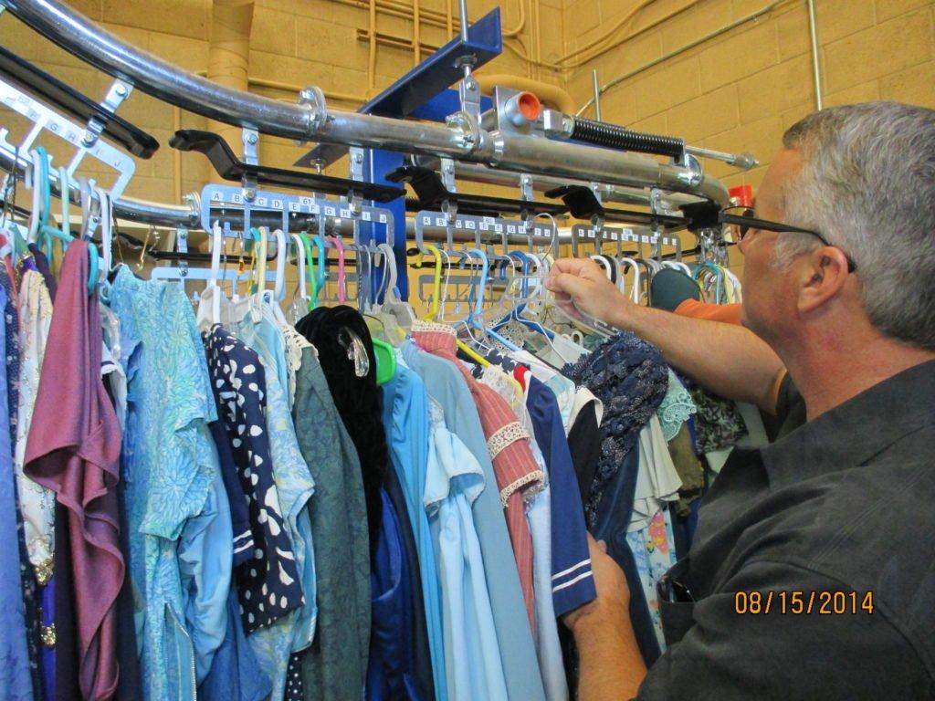 Garment Enclosed Track Overhead Conveyor Safety